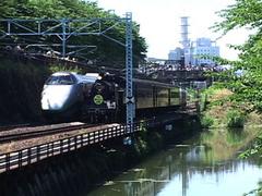新幹線とSL(蒸気機関車).jpg